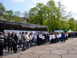 Фото: У Полтаві бунтували міжміські перевізники