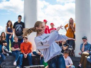 """Фото: """"Травневі"""" хіп-хоп змагання: дівчата перемагають у хлопців"""