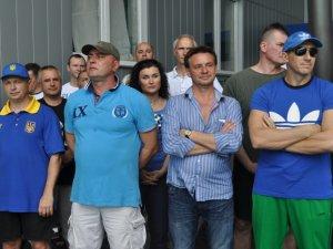 Фото: Полтавському «Дельфіну» подарували 50 тисяч гривень
