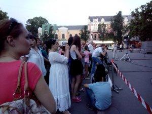 Фото: На полтавській площі показали виставу під відкритим небом