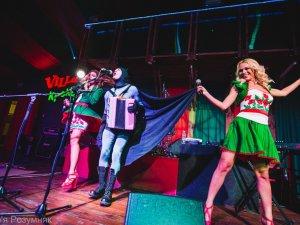 Фото: У Полтаві Брати Борисенки, Renata, гурт London Hill та MMDance заспівали, щоб допомогти  дитбудинку-інтернату у Зінькові