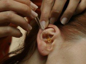 Фото: Отит та втрату слуху можуть спровокувати гайморит та гіпертонія
