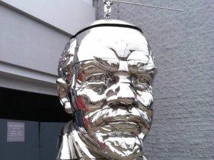 Фото: Сергій Шудренко написав про необхідність нового ідола – замінника Леніна