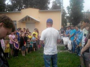Фото: У Полтаві автомобілісти провели благодійну акцію для інтернатівців