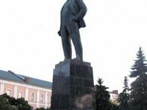 Фото: Ігор Сердюк написав своє бачення нового ідола - замінника Леніна