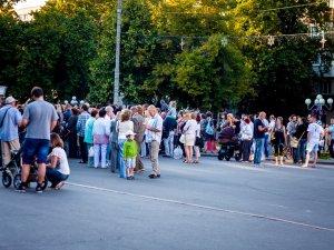 Фото: Оркестровий сезон у Полтаві закінчився фінальним концертом перед театром Гоголя