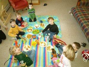 Фото: Як розважити дітей влітку