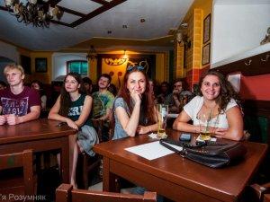 Фото: Фото. Дніпропетровська поетеса Катерина Батушан презентувала у Полтаві збірку аудіовіршів