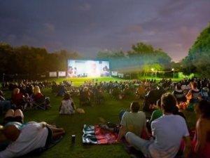 Фото: У Полтаві відкриють сезон кіно просто неба