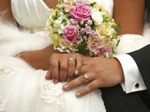 Фото: Незважаючи на АТО, у Полтаві не зменшується весільний ажіотаж