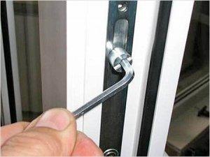 Фото: Як відрегулювати пластикові вікна
