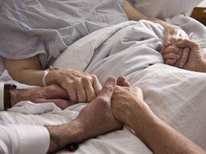Фото: У Полтаві впровадять допомогу невиліковно хворим, які помирають вдома