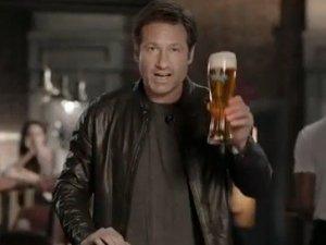 Девід Духовни знявся в рекламі російського пива