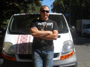 Фото: Волонтер Олександр із Полтави: «Моя хата скраю, я нічого не знаю – це не про українців»