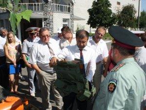 Фото: На Полтавщині в'язні шиють чохли для бронежилетів