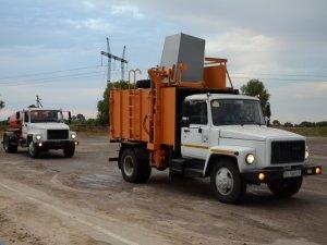 Фото: Селам Полтавщини передали нові автомобілі для вивезення відходів