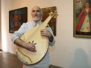 Фото: У галереї мистецтв відкрилася виставка полотен полтавського кобзаря