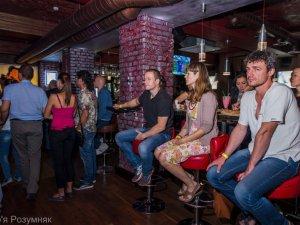Фото: Фото. У Полтаві відбувся майже акустичний концерт Андрія Гречаника (ДМЦ)