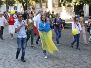 Фото: Полтавці провели патріотичний флешмоб (фоторепортаж)