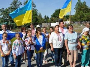 Фото: У Нових Санжарах на День Незалежності провели марш єдності