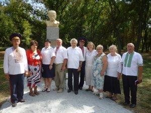 Фото: Під Полтавою встановили пам'ятник Тарасу Шевченку