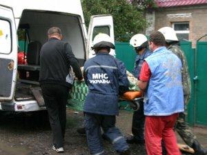 У Полтаві рятувальники витягли бабусю, яка впала у погреб (ВІДЕО)