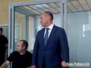 Фото: Мер Полтави утік із зали суду