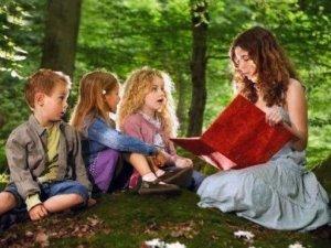 Фото: Даємо дитині нові емоції - читаємо страшні казки