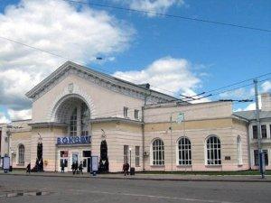 Фото: Бум замінувань у Полтаві – цього разу повідомили про Південний вокзал