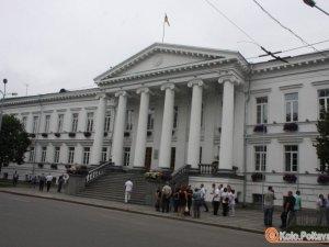 Фото: У Полтаві депутати міськради та активісти зібрались на сесію (оновлено)