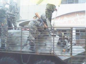 Фото: Фотофакт. Полтавці відправляться в зону АТО з БТРом