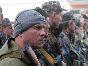 Фото: Батальйон «Полтавщина» відправили на Схід з БТРом та подарунками (фото)