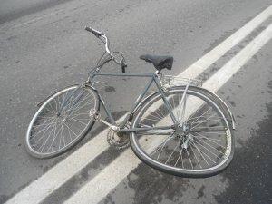 Фото: У Полтаві водій легковика збив дитину на велосипеді (карта)