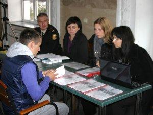 Фото: Полтавські рятувальники розповіли, як допомагають переселенцям зі Сходу