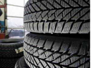 Фото: В ДАІ нагадали про небезпеку від не заміненої гуми на колесах