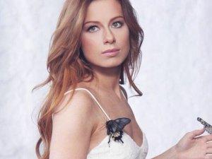 Фото: Юлія Савічева після 10-річного роману нарешті вийшла заміж
