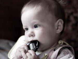 Фото: Що робити, коли малюк проковтнув сторонній предмет