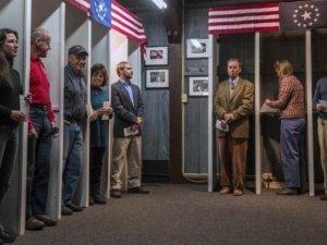 Фото: Полтавці у США познайомилися із американською системою виборів