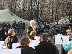 Фото: Полтавські музиканти грали для захисників Вітчизни у Слов'янську