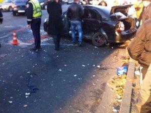Фото: ДТП біля ТЦ «Конкорд»: постраждалу госпіталізували в пологовий будинок