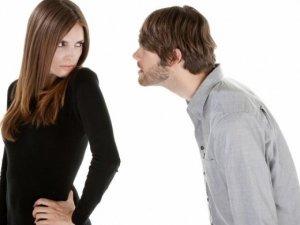 Фото: Жіночі звички, які дратують чоловіків