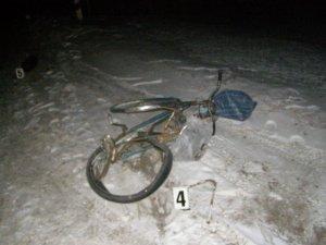 Фото: На Полтавщині водій на смерть збив велосипедистку і зник