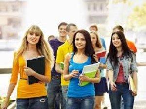 Фото: Студенти, яких тимчасово допустили до занять повинні визначитися, де вони хочуть продовжувати навчання