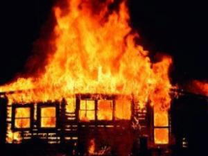 Фото: Пожежа у Полтаві: чоловік загинув, жінка  отримала опіки