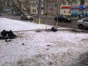 Фото: Біля Полтавської ОДА впав світлофор