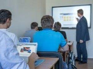 Фото: Полтавська школа змагається за клас із новітніми технологіями