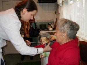 Фото: У Лубнах влаштували медичну благодійну акцію для пенсіонерів