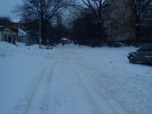 Фото: Влада: полтавські дороги не встигають розчищати від снігу