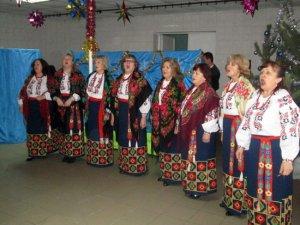 Фото: У Лубнах уже почали відзначати новорічні святки: влаштували вечорниці