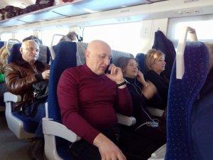 Фото: Голову Полтавської ОДА Валерія Головка помітили у звичайному поїзді
